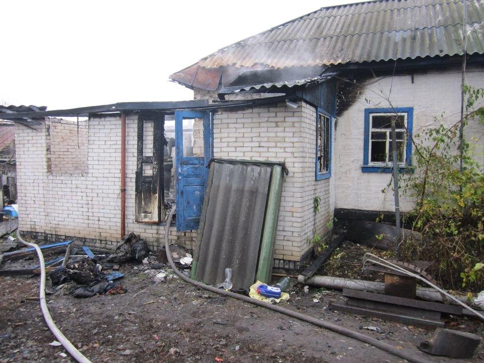 На Конотопщині за добу вогнеборці двічі ліквідовували пожежі в будинках , фото-1