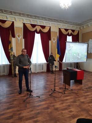 У Конотопі посмертно нагородили бійця Дмитра Волонтирця , фото-2