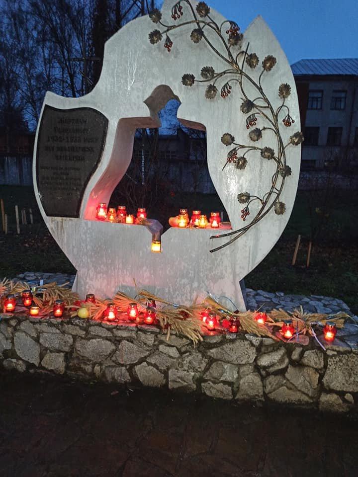 У Конотопі вшанували трагічну річницю Голодомору+ФОТО, ВІДЕО, фото-1