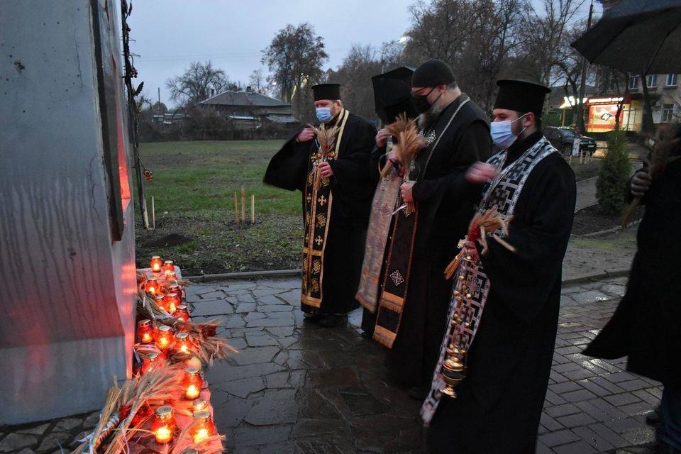 У Конотопі вшанували трагічну річницю Голодомору+ФОТО, ВІДЕО, фото-5