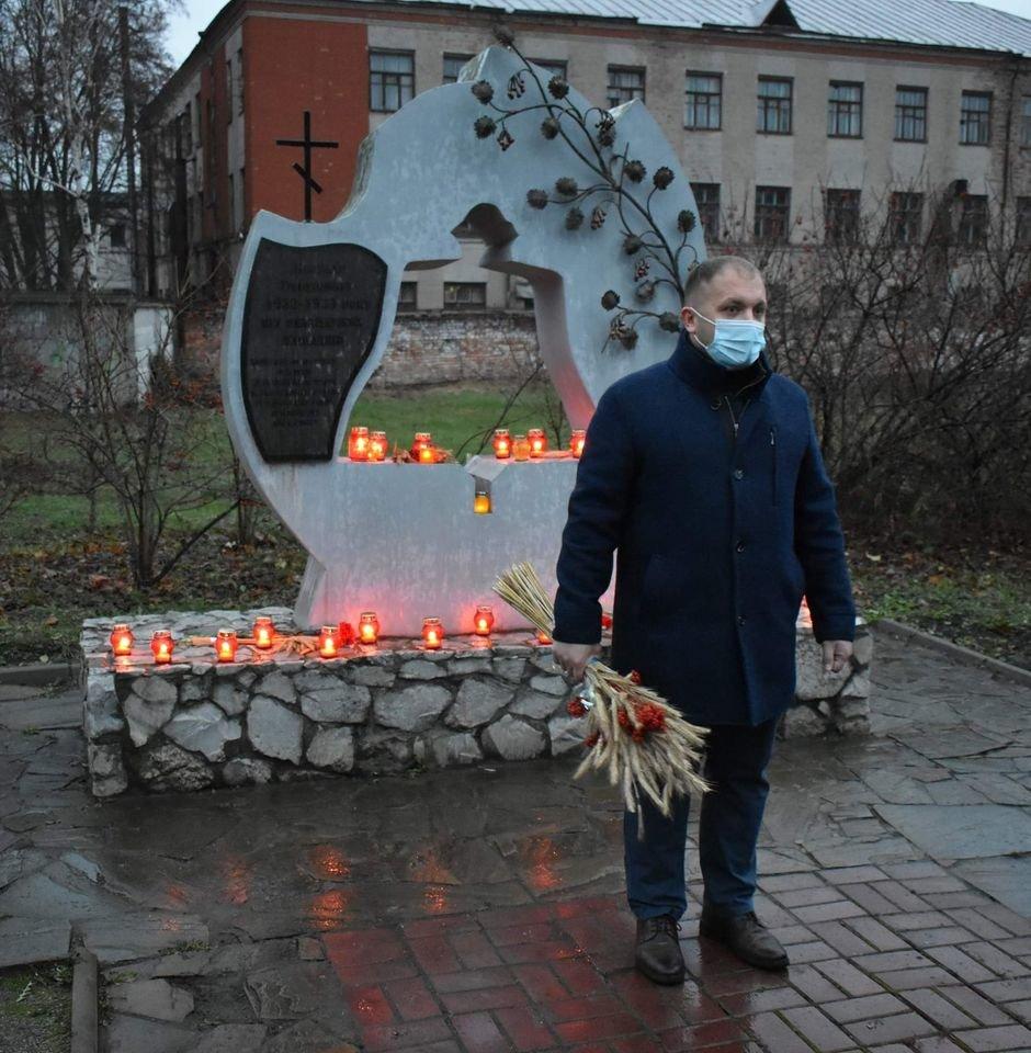 У Конотопі вшанували трагічну річницю Голодомору+ФОТО, ВІДЕО, фото-2