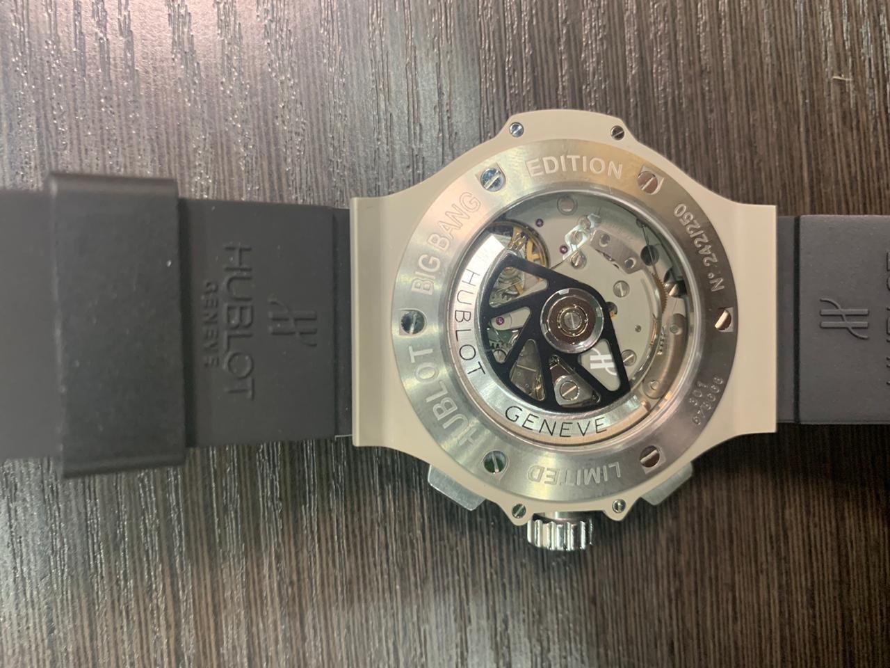 Парфуми, коштовні годинники та Covid-тести: на Сумщині затримали контрабанду на 9 мільйонів, фото-3