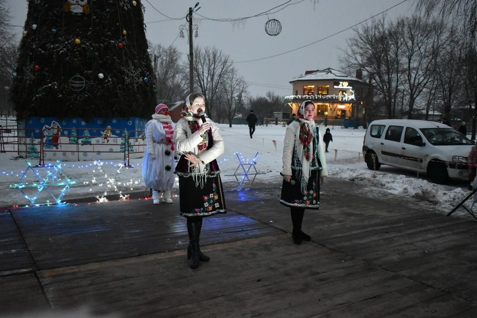 На Миколая у Конотопі відкрили головну ялинку міста, фото-6