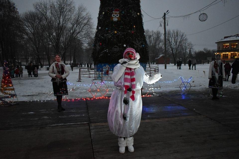 На Миколая у Конотопі відкрили головну ялинку міста, фото-5
