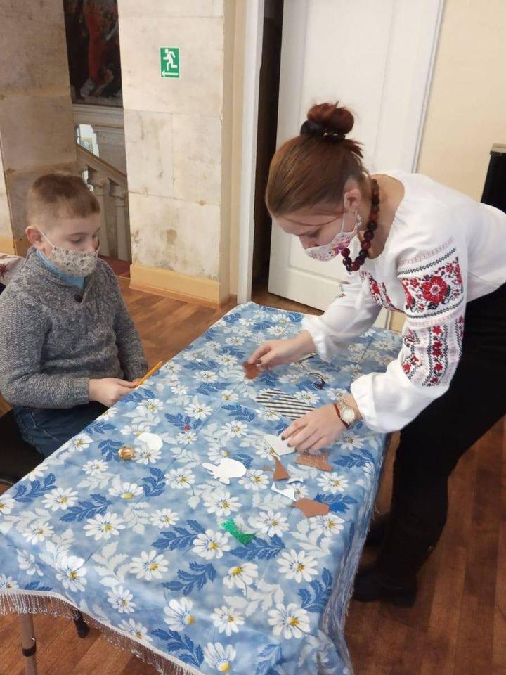 У Конотопі відбувся майстер-клас з виготовлення новорічної іграшки, фото-2