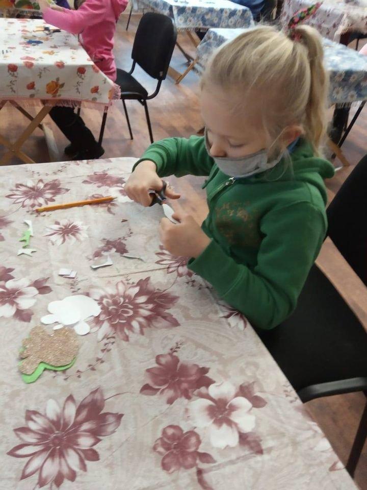 У Конотопі відбувся майстер-клас з виготовлення новорічної іграшки, фото-3