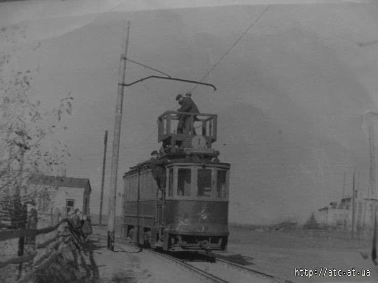 Один з перших конотопських трамваїв готується до виходу на лінію, Конотоп Історичний