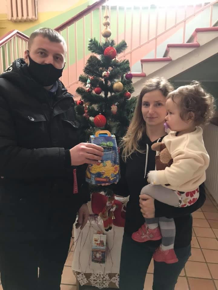 Конотопські свободівці передали хворим дітям солодкі подарунки, фото-2