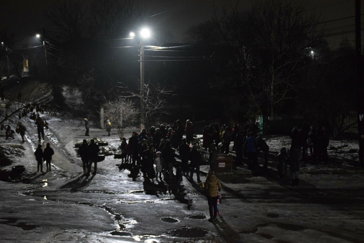 У 35-му кварталі Конотопа влаштували новорічні гуляння на вулиці+ФОТО, фото-5