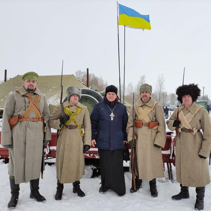 Конотопські пластуни відвідали меморіал героям Крут, фото-5