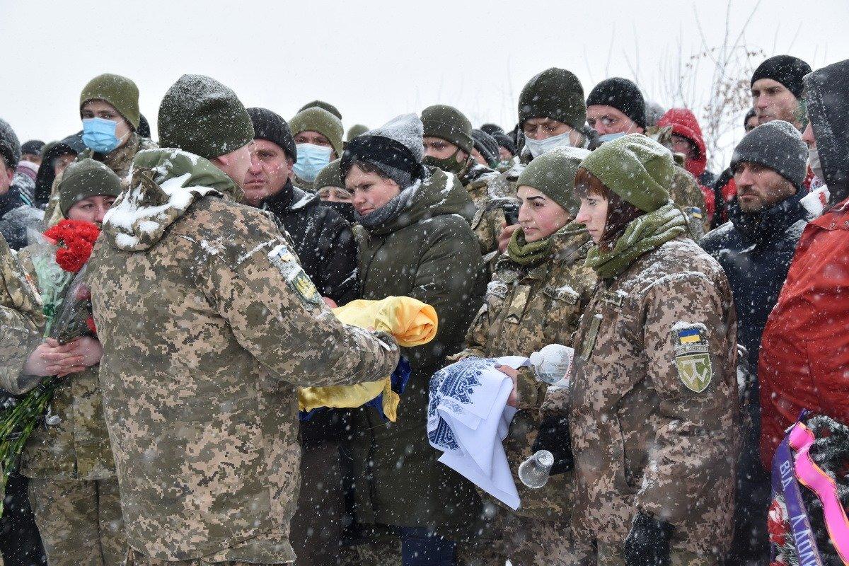 На Сумщині попрощалися з військовослужбовцем 58 ОМПБр ім. гетьмана І. Виговського , фото-5