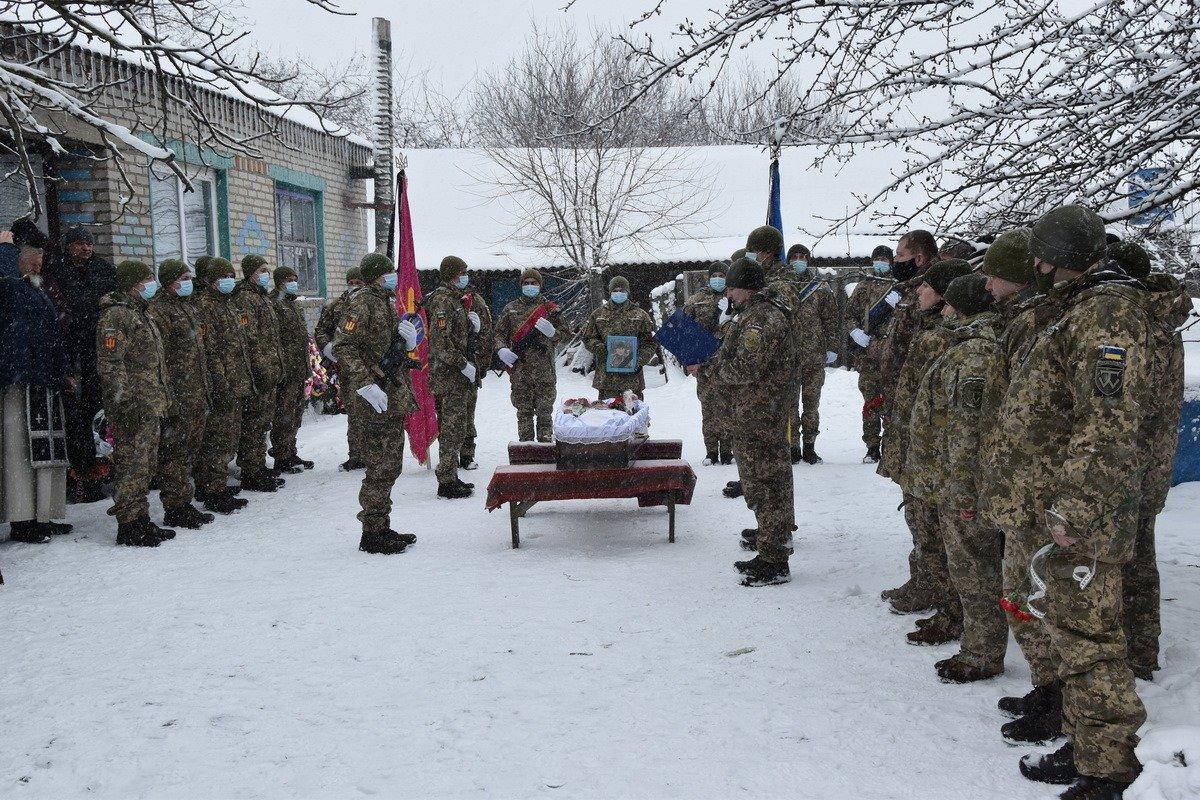 На Сумщині попрощалися з військовослужбовцем 58 ОМПБр ім. гетьмана І. Виговського , фото-8