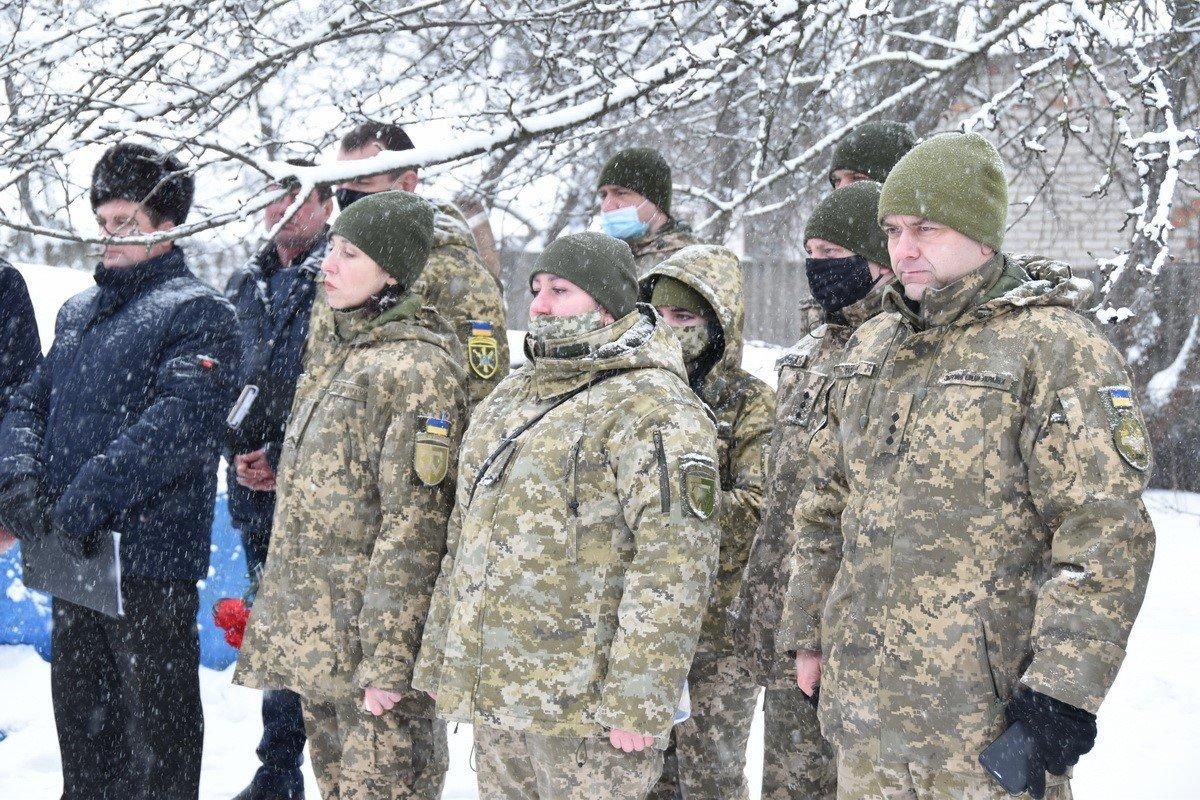 На Сумщині попрощалися з військовослужбовцем 58 ОМПБр ім. гетьмана І. Виговського , фото-9