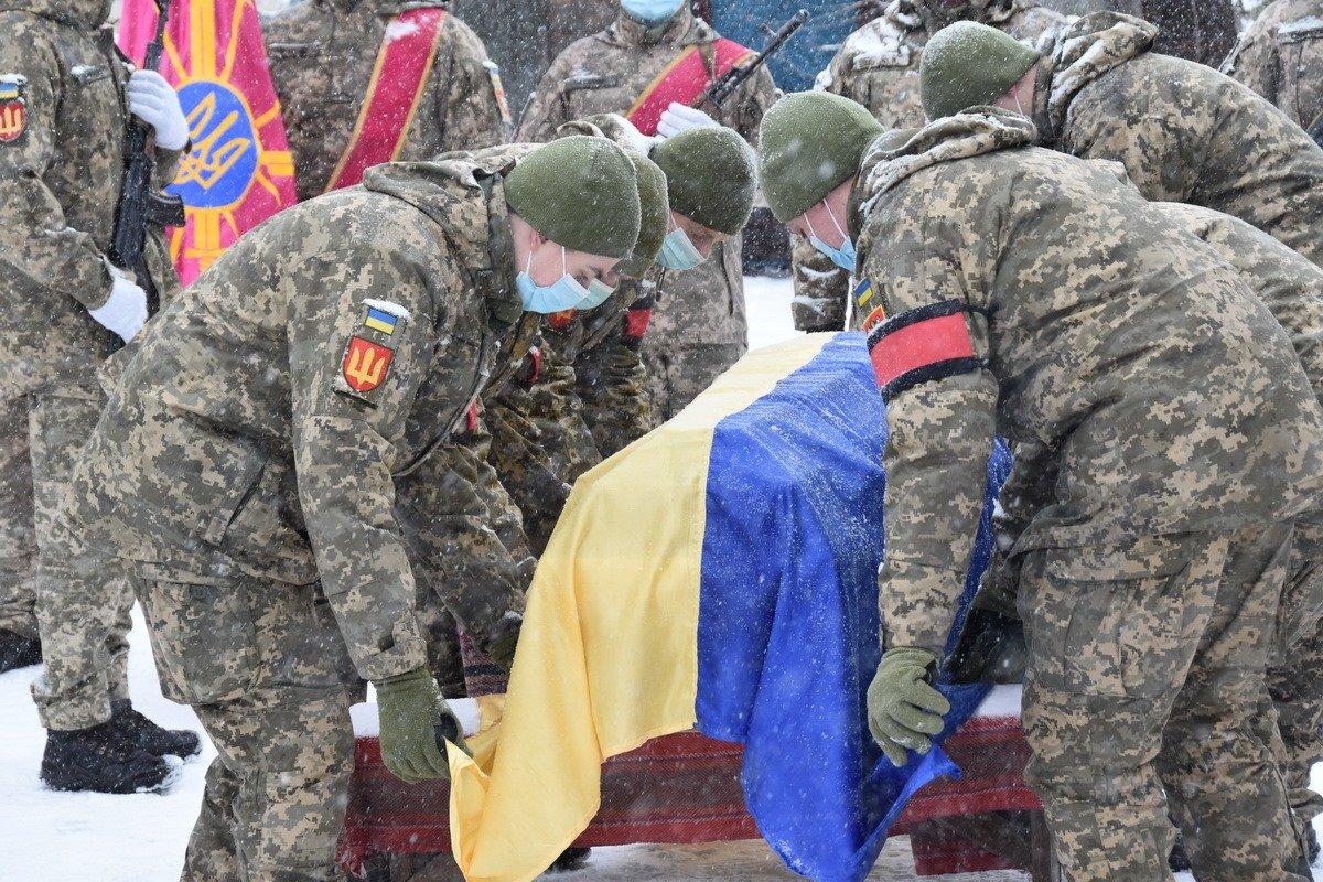 На Сумщині попрощалися з військовослужбовцем 58 ОМПБр ім. гетьмана І. Виговського , фото-12