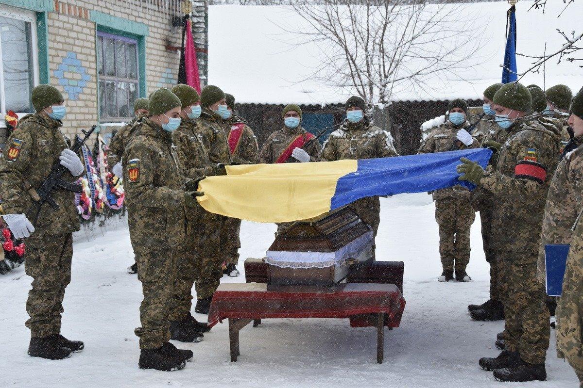 На Сумщині попрощалися з військовослужбовцем 58 ОМПБр ім. гетьмана І. Виговського , фото-15