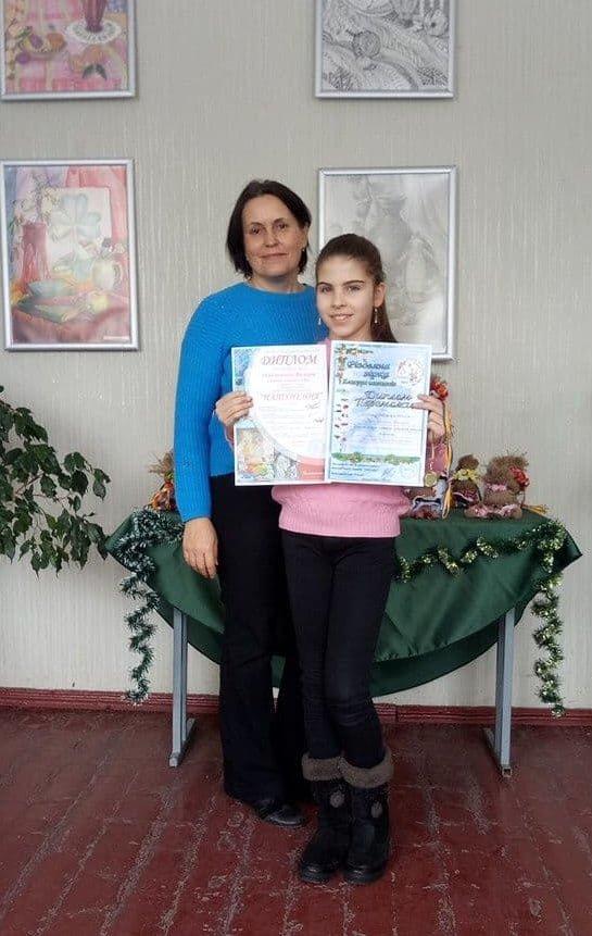"""Юні конотопські художниці перемогли на всеукраїнському конкурсі """"Різдвяна зірка"""", фото-1"""