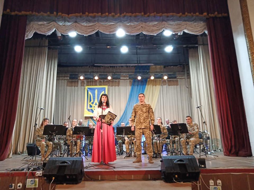 Відеовиступ конотопського військового гурту «Дагер» показуватимуть в навчальних закладах міста, фото-2