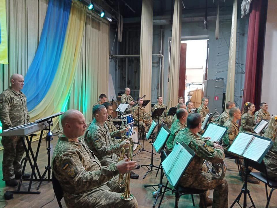 Відеовиступ конотопського військового гурту «Дагер» показуватимуть в навчальних закладах міста, фото-1
